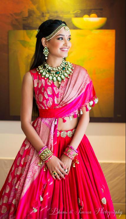indian bridal lehenga , bridal fashion ,, indian brides , desginer lehenga , wedding blog , big fat indian wedding , pink lehenga , tarun tahiliani , the wedding post , the fashion post , desytinatin wedding , top indian designers for brides