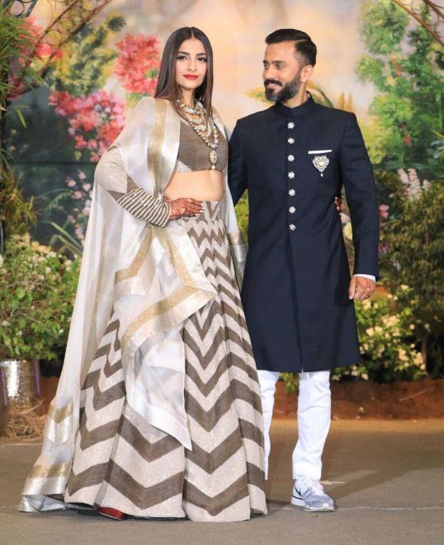 sonam kapoor reception , meehndi , anamika khanna lehenga , bollywood weddings , #theweddingpost , the wedding post