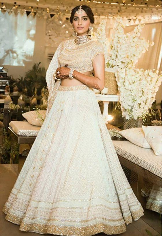 sonam kapoor wedding , Bollywood brides , indian weddings, weddings , #indianweddings #bollywoodbrides #lehenga #mehendi #weddingblog #sonamweddinglehengaa , sonam wedding lehenga , sonam kapoor
