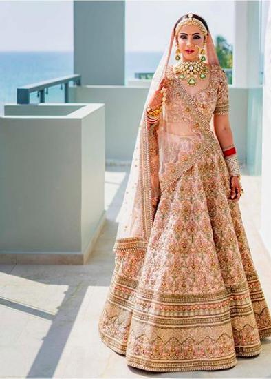 pink pastel lehenga , pink sabyasachi lehenga , sabyasachi lehenga , latest sabyasachi bride , #sabyasachilehenga #sabyasachibrides #indianweddinglehenga #lehenga #pinklehenga , the fashion post , the weddingpost