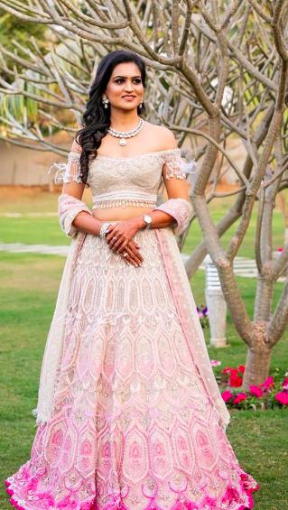 indian bridal lehenga , indian bridal blouse design , off shoulder bridal blouse . indian wedding , #indianwedding #bridallehenga #bridalblouse #lehenga
